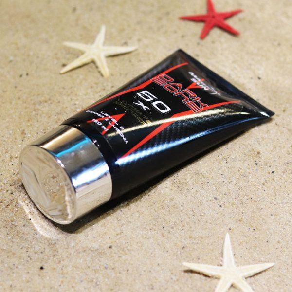 Tubka kosmetyku do opalania w solarium Dark Zone o pojemności 150ml